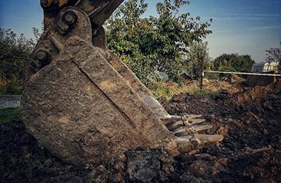 excavator hire greenford